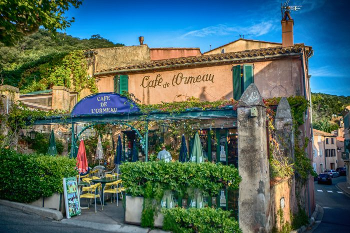 Cute cafe in Ramatuelle